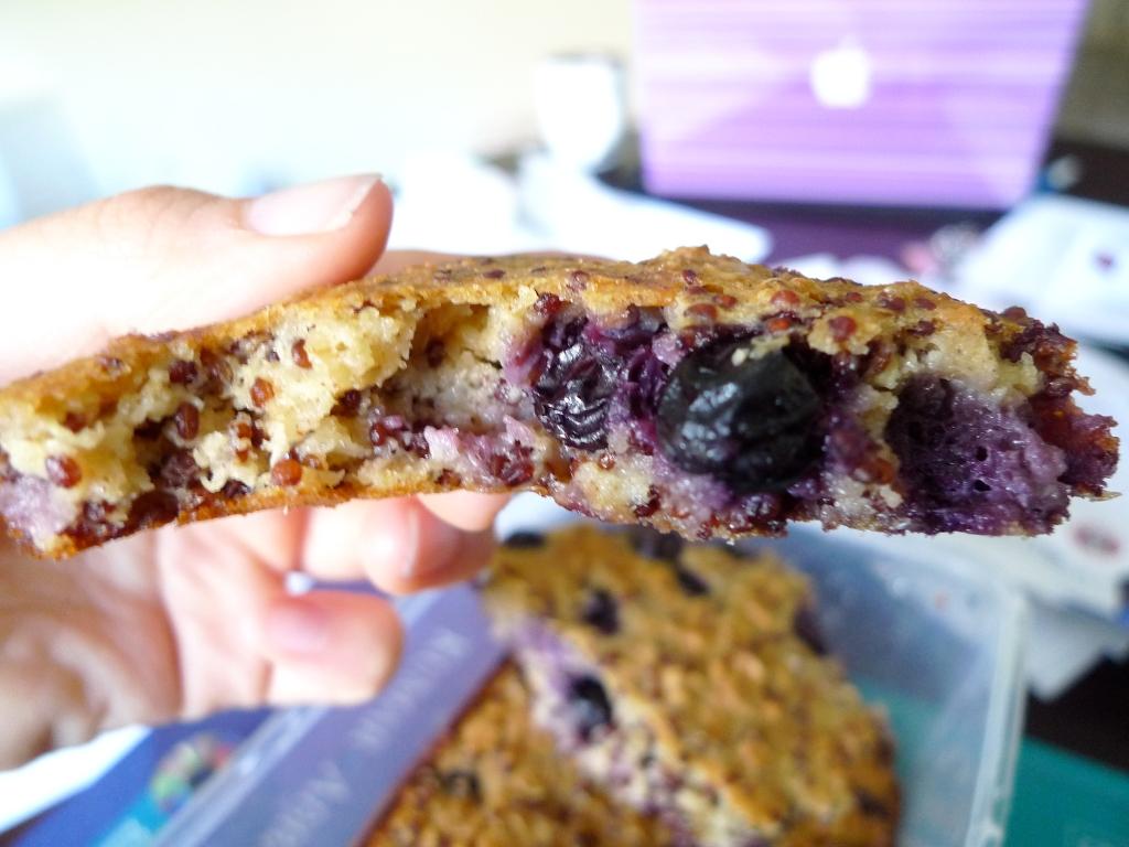 Recipe: Quinoa Blueberry Oatmeal Breakfast Bars | GNineThree ...
