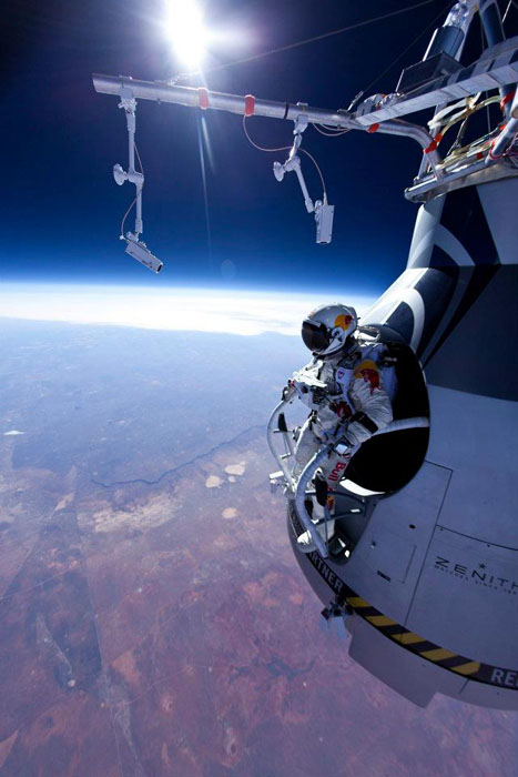 431333 389236247754051 1571216073 n Red Bull Stratos   Mission to the Edge of Space